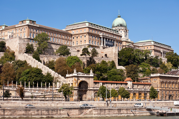 Dating places in budapest