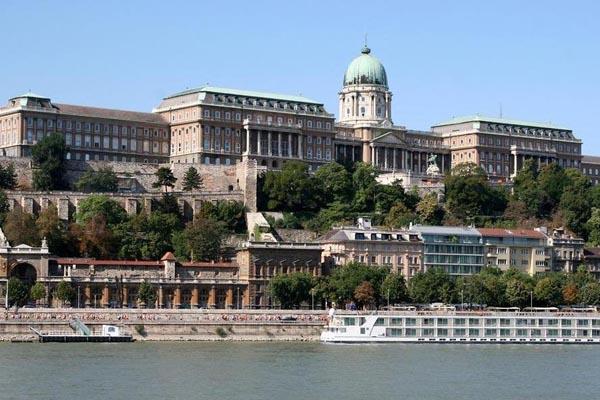 Buda Castle District Budapest Monument Of Art Math Wallpaper Golden Find Free HD for Desktop [pastnedes.tk]