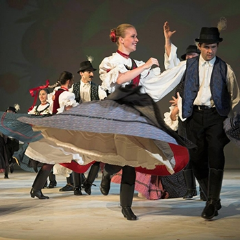 Folklore Show mit optionalen Dinner & Cruise