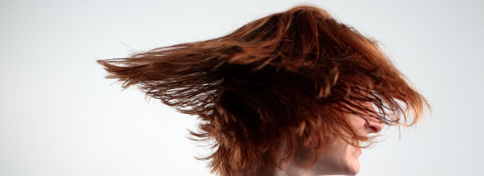 Szerezze vissza hajának régi sűrűségét egy nap alatt!
