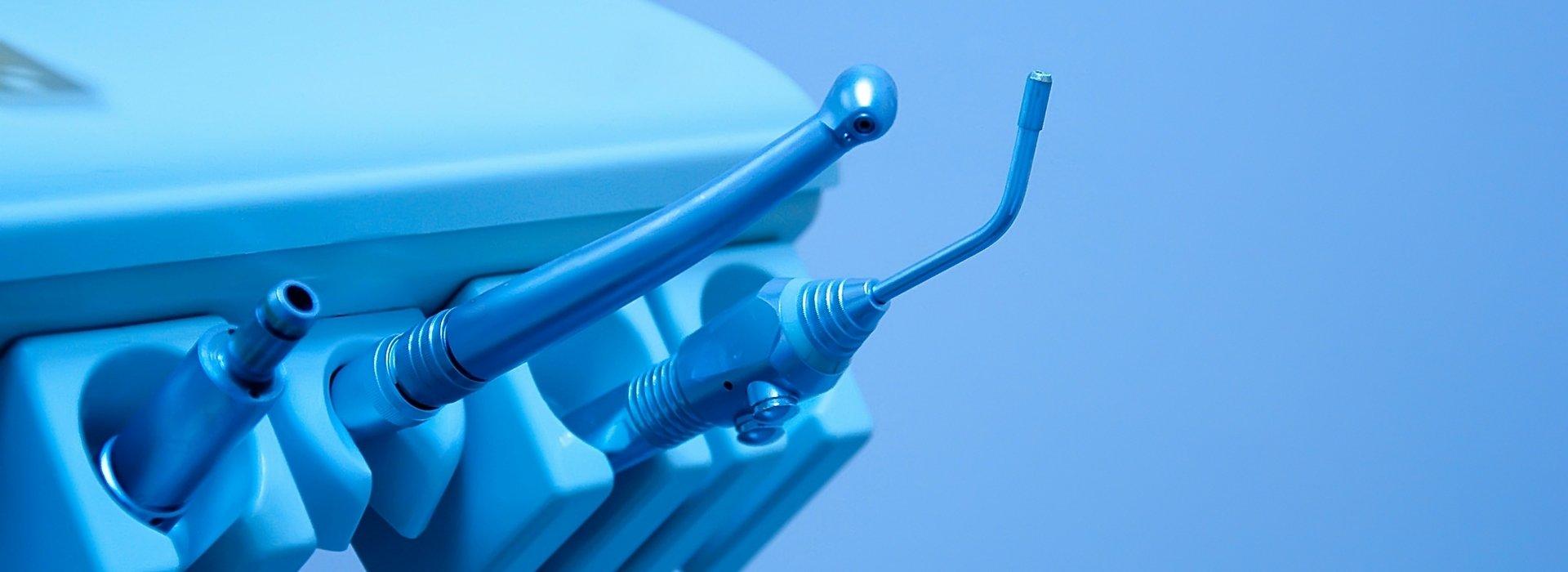 Zahnextraktion – Zahnärztliche Behandlungen in Budapest