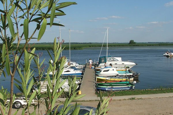 NEPTUN dock and camping