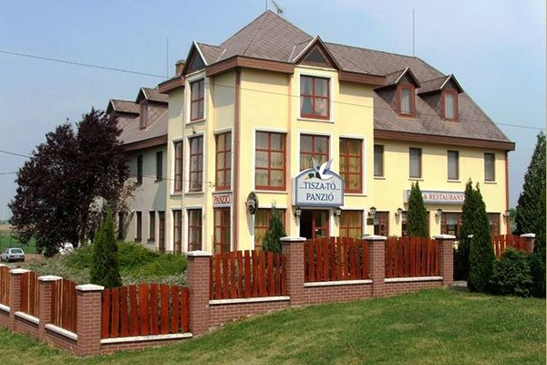 Tisza-tó Pension and Restaurant