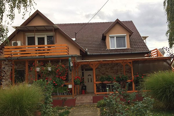 Füredi Cafe and Apartment