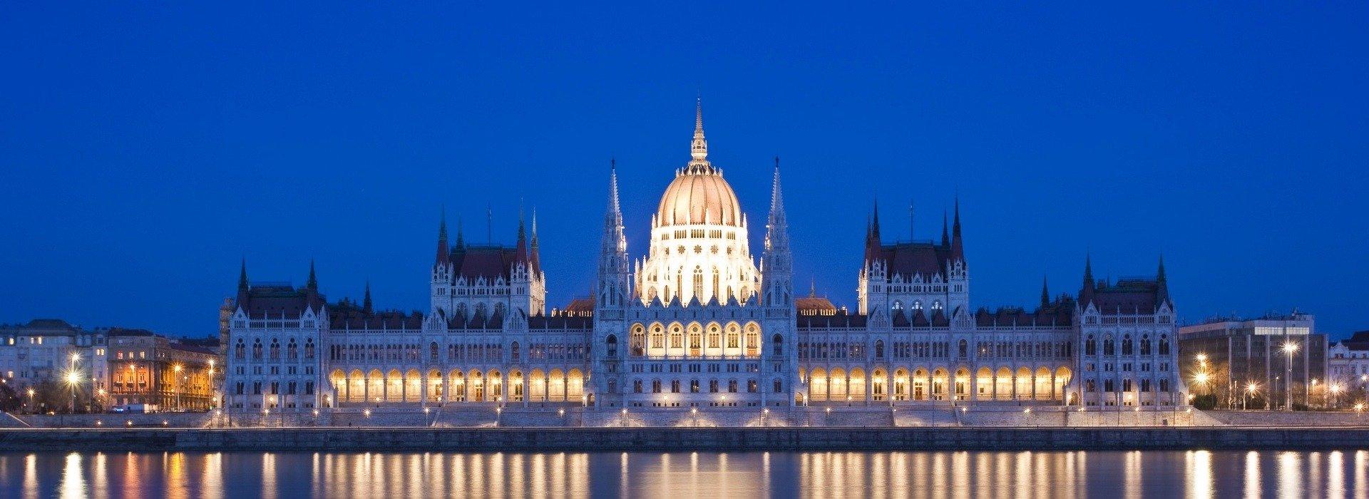 Über Ungarn