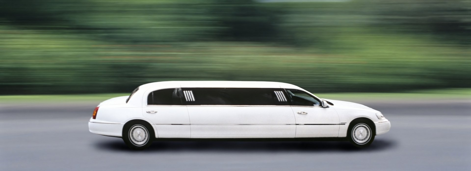 Limousine rental for weddings, dates